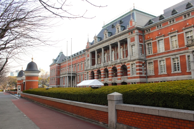 The Ministry of Justice Building in Chiyoda is a classic red-brick style Meiji-era building, erected in 1895 by German architects. It looks like a European palace, adapted to Japanese aesthetics.