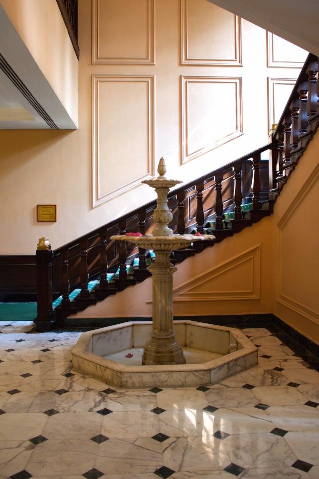 5-fountain-stairway