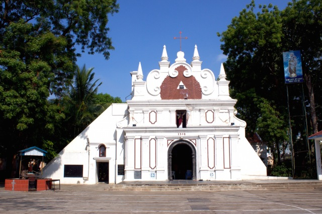 6 - Luz Church