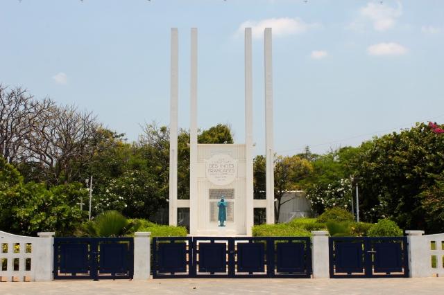 10 - War Memorial 1937