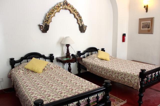 11 - Beds