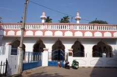 The Meeran Mosque dates from the late 1600s and is the oldest mosque in the city.