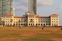 Another timeless view of Galle Face Hotel.