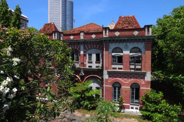 31 - Colombo Fort Police Station SIDE