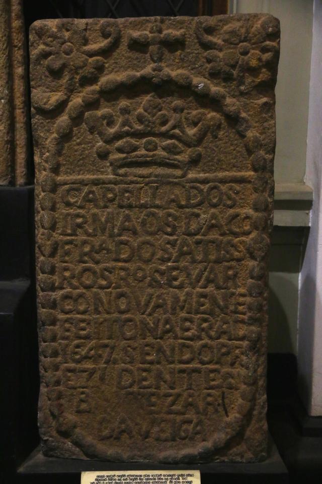 6 - Portuguese Tombstone