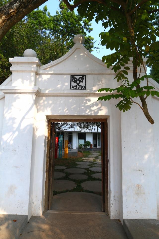 19 - VOC Gate
