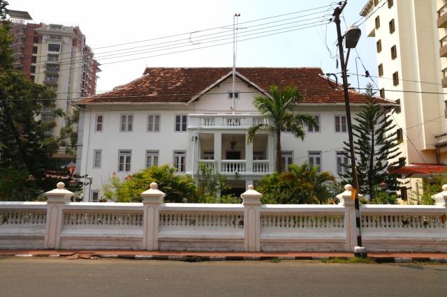 22 - Colonial edifice