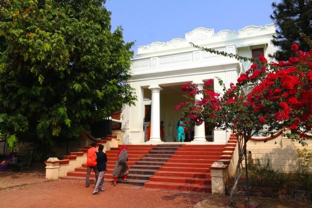 29 - Palace Entrance