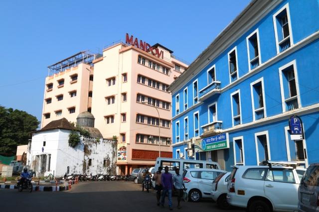 1 - Mandovi Hotel