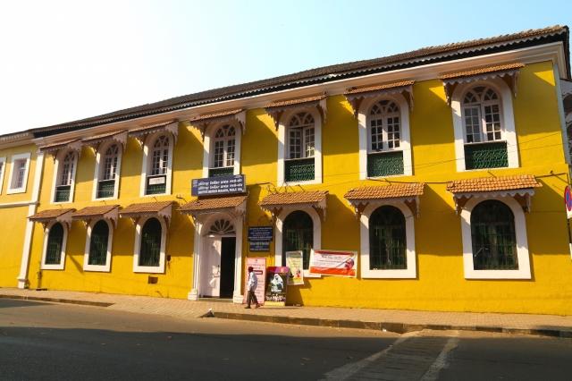 8 - Institut Menezes Braganza