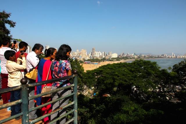 36 - Ogling Bombay