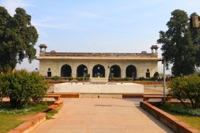 28 - Mumtaz Mahal