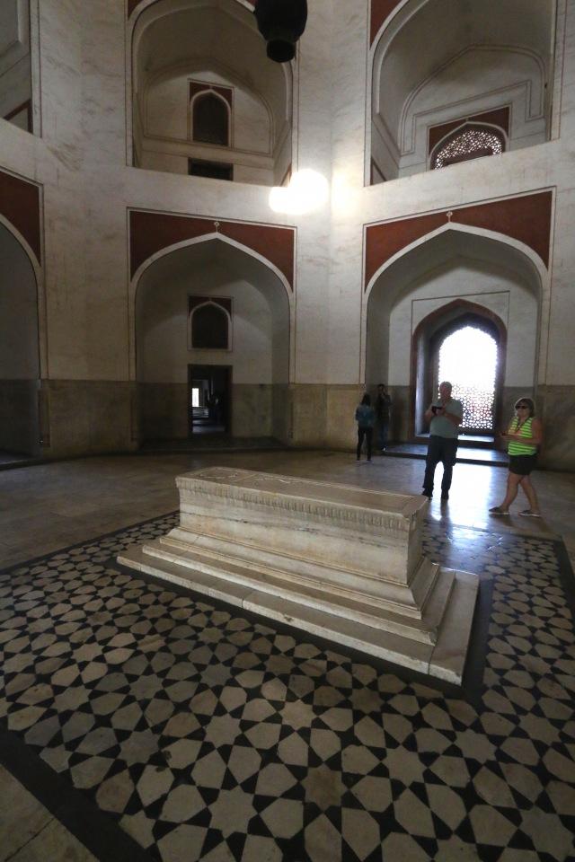 5 - Tomb Interior