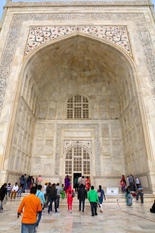 10 - Taj Entrance
