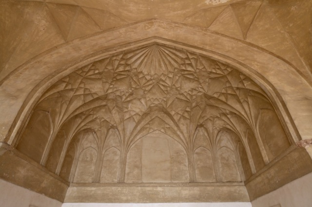 17 - Detail side chambers