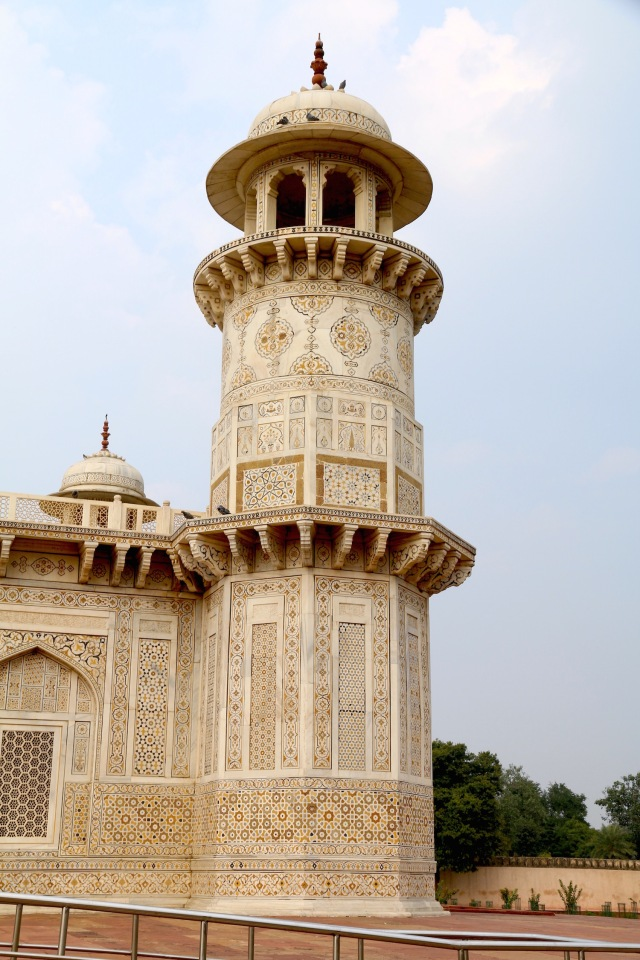 22 - Minaret