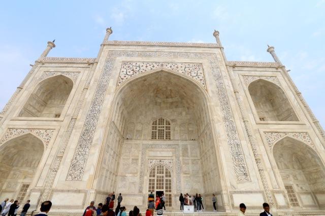 9 - Taj Entrance