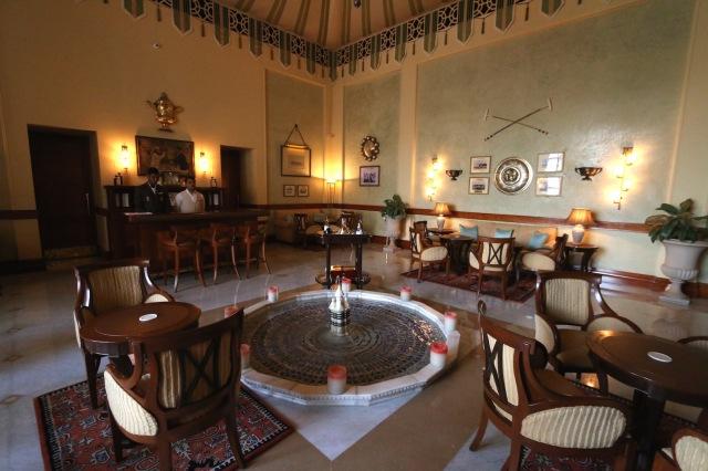 12 - Club Room