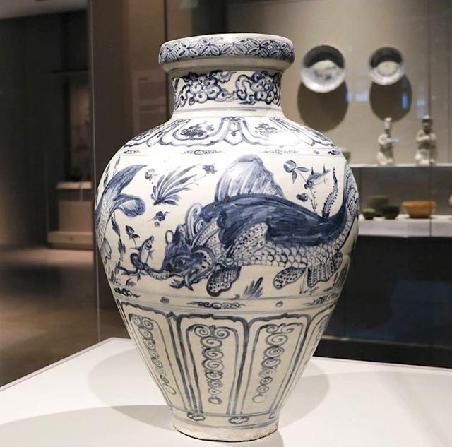15 - Vietnamese Jar