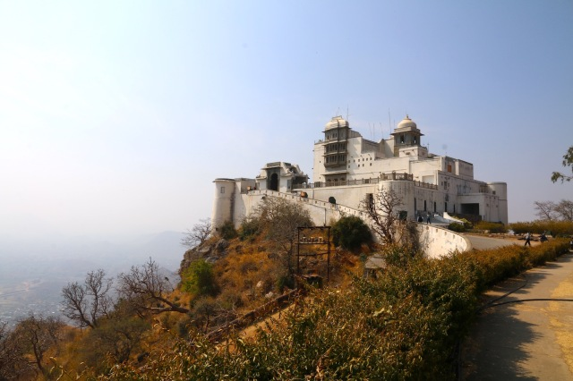 22 - monsoon palace