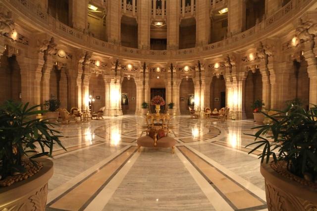 4 - Centre Hallway