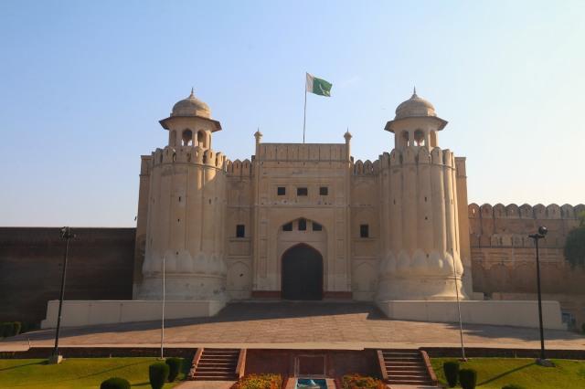 1 - Lahore Alamgiri Gate