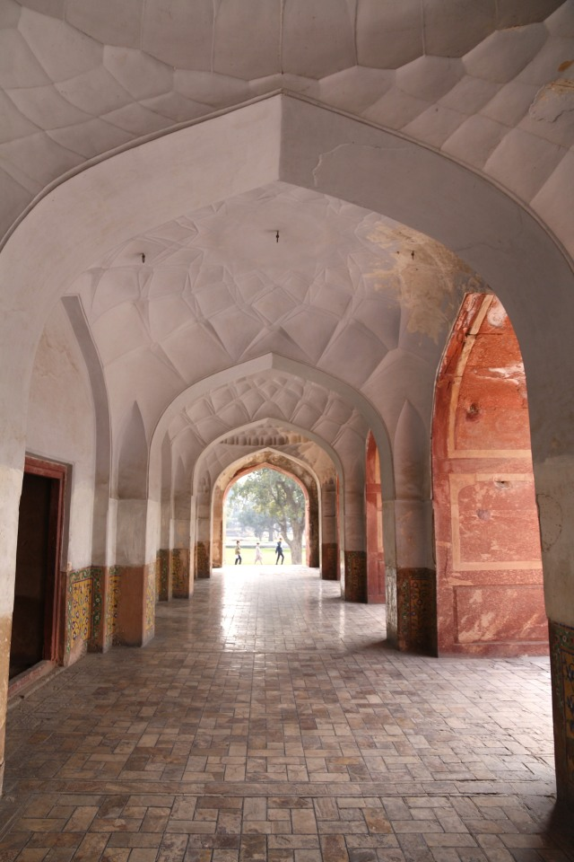 11 - Side corridors