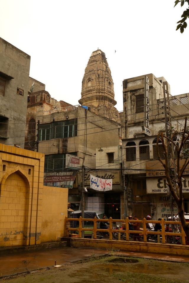 16 - Hindu Temple