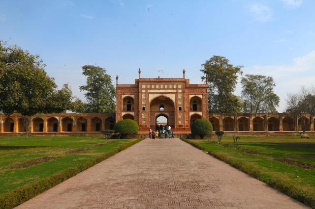 2 - Darwaza Entrance
