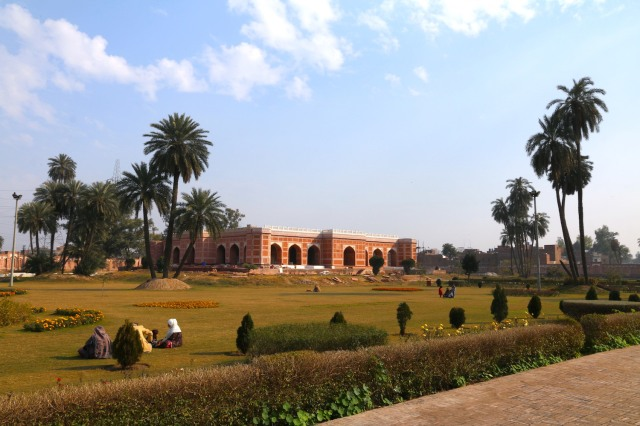 20 - Approaching Nur Jahan Tomb