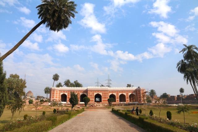 21 - Nur Jahan Tomb