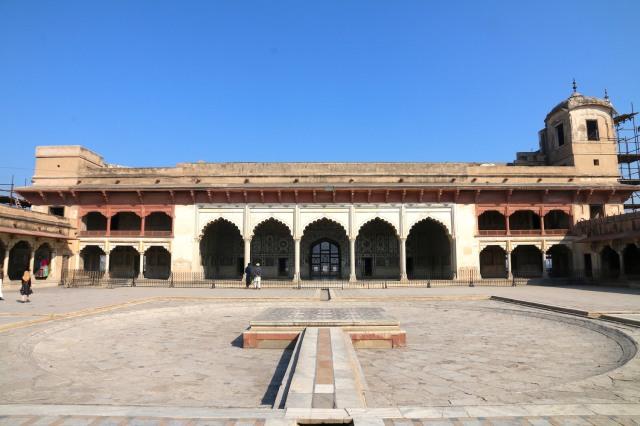 24 - Shah Burj Main Courtyard