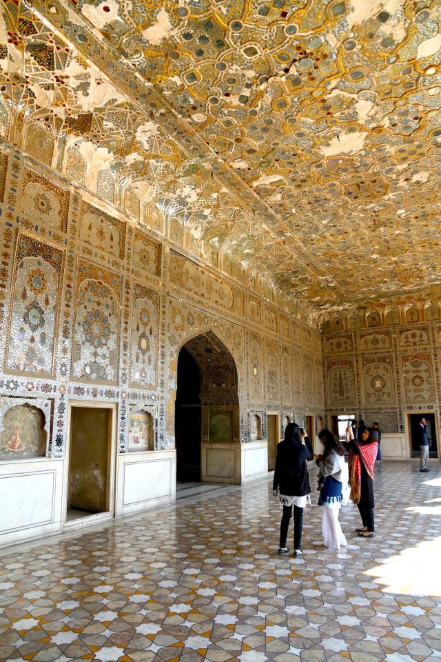 25 - Shish Mahal