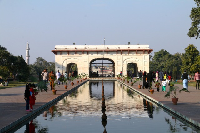 29 - Approaching the Bagh
