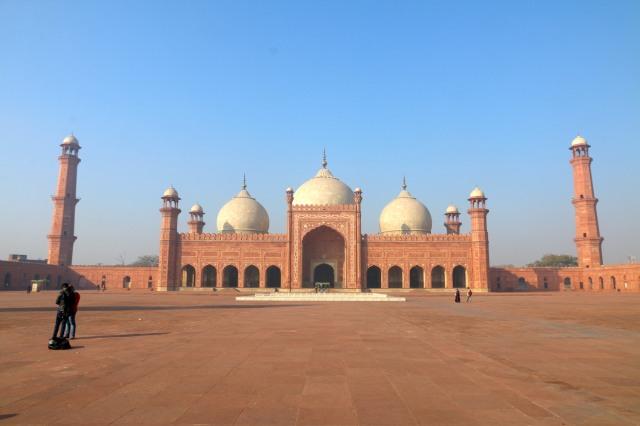 3 - Badshahi Mosque