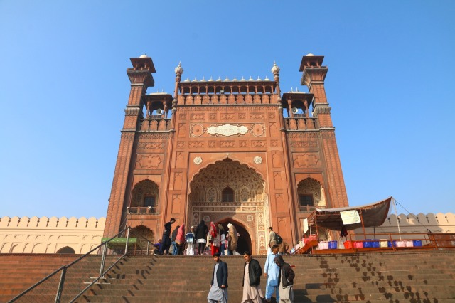3 - Entrance to Badshahi Mosque