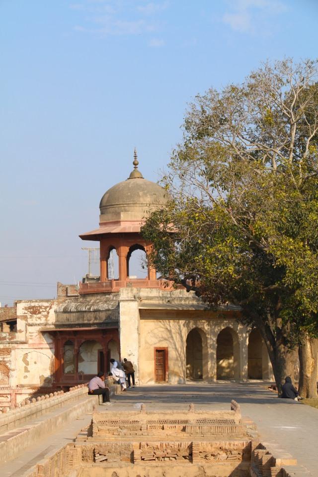 33 - Chhatri