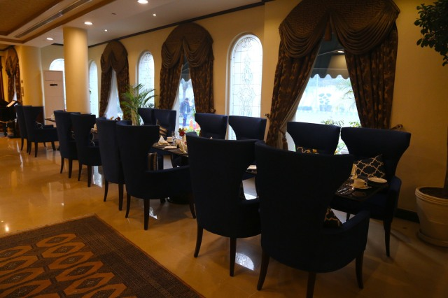 5 - Restaurant
