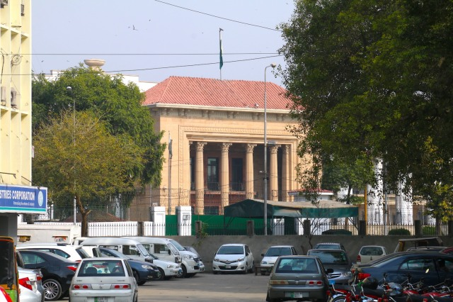 6 - Law Courts