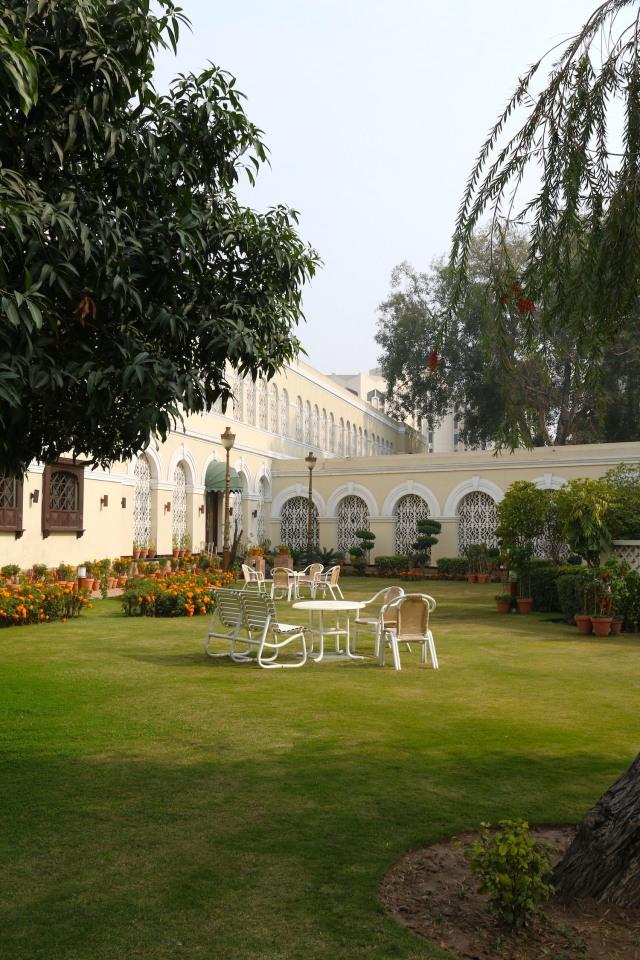 9 - Courtyard