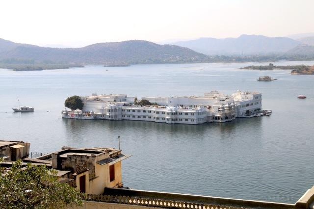 17 - Lake Palace